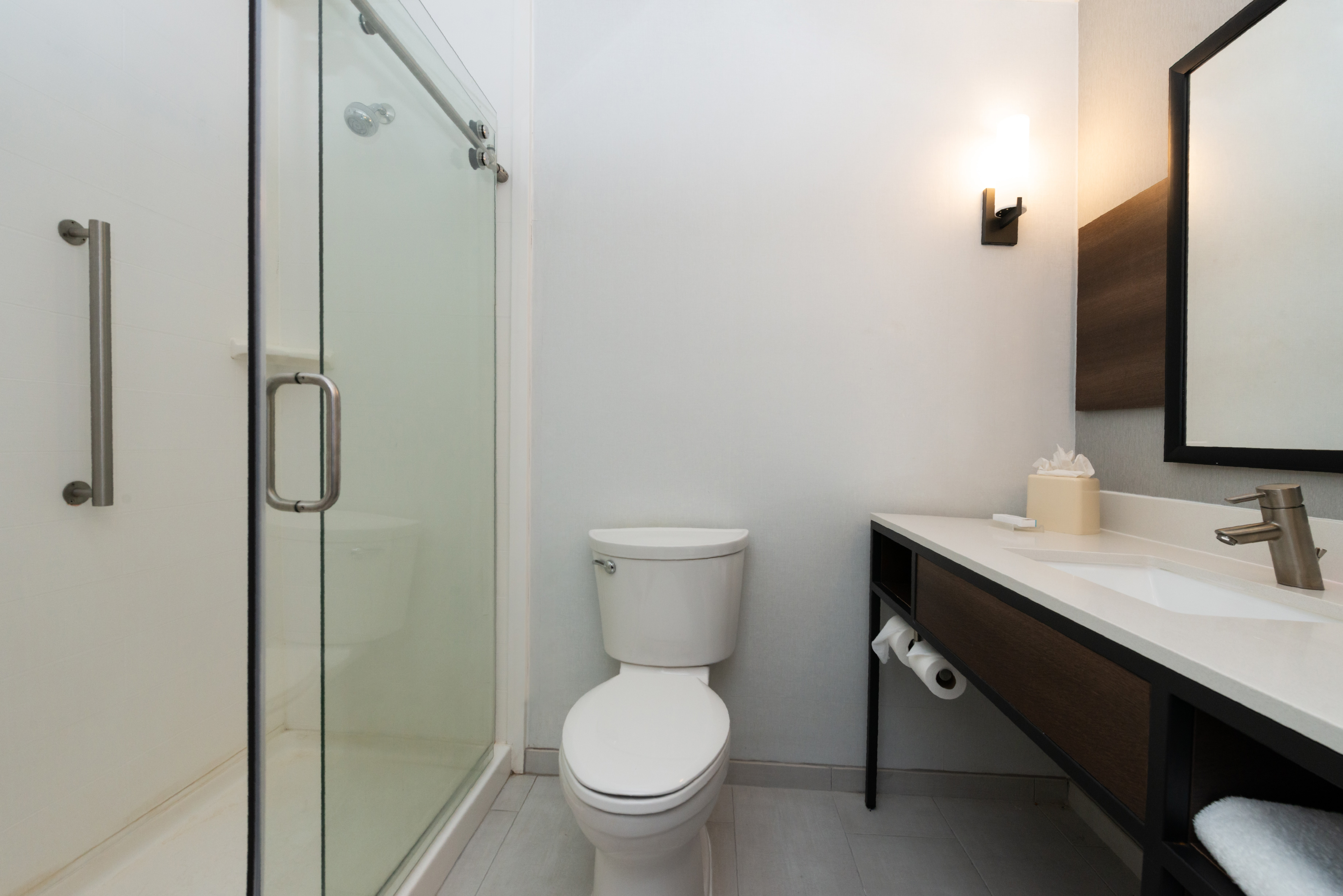https://www.hotelsbyday.com/_data/default-hotel_image/3/16210/btrgigi-bathroom3.jpg
