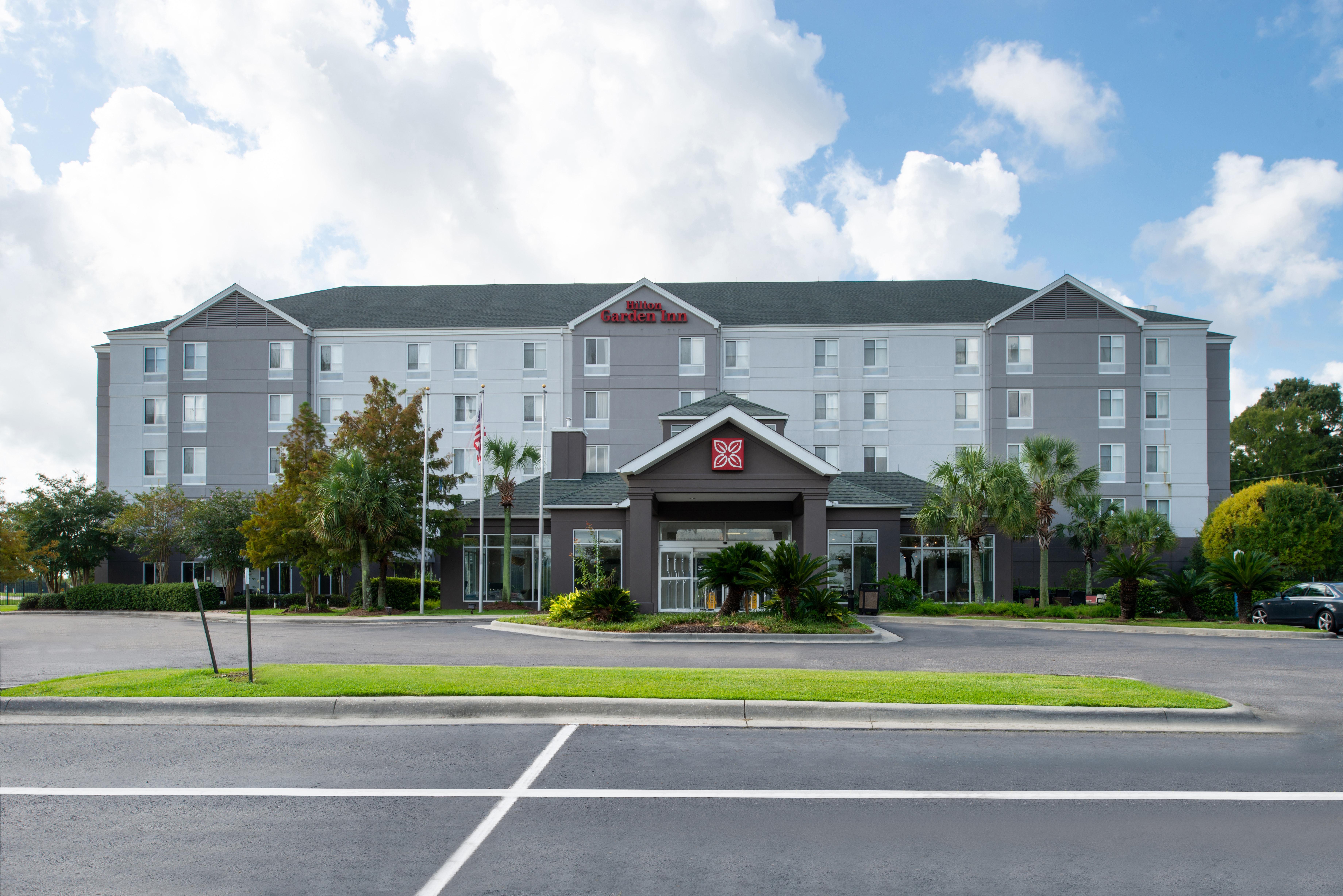 https://www.hotelsbyday.com/_data/default-hotel_image/3/16215/btrgigi-exterior1.jpg