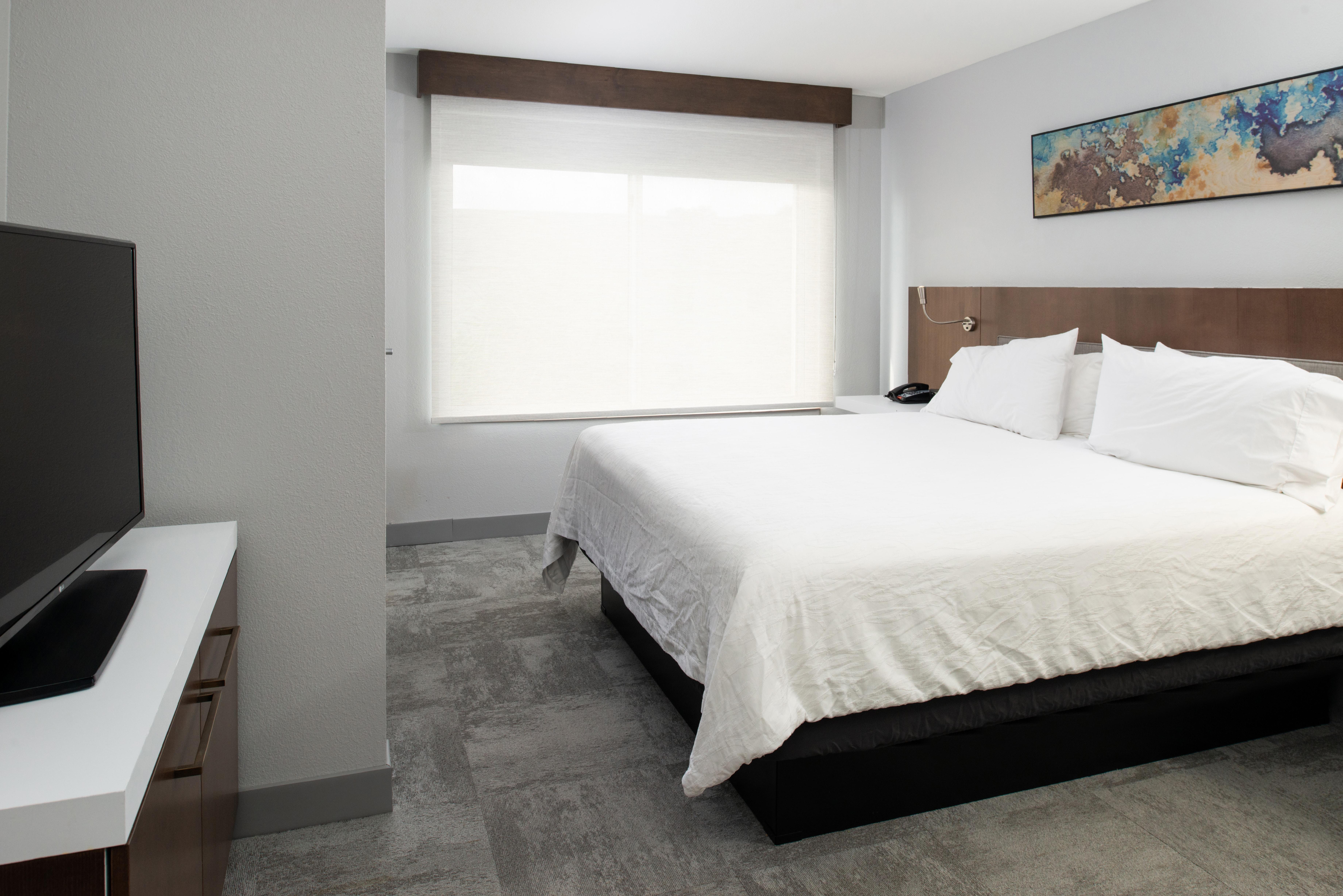 https://www.hotelsbyday.com/_data/default-hotel_image/3/16230/btrgigi-kingsuite6.jpg