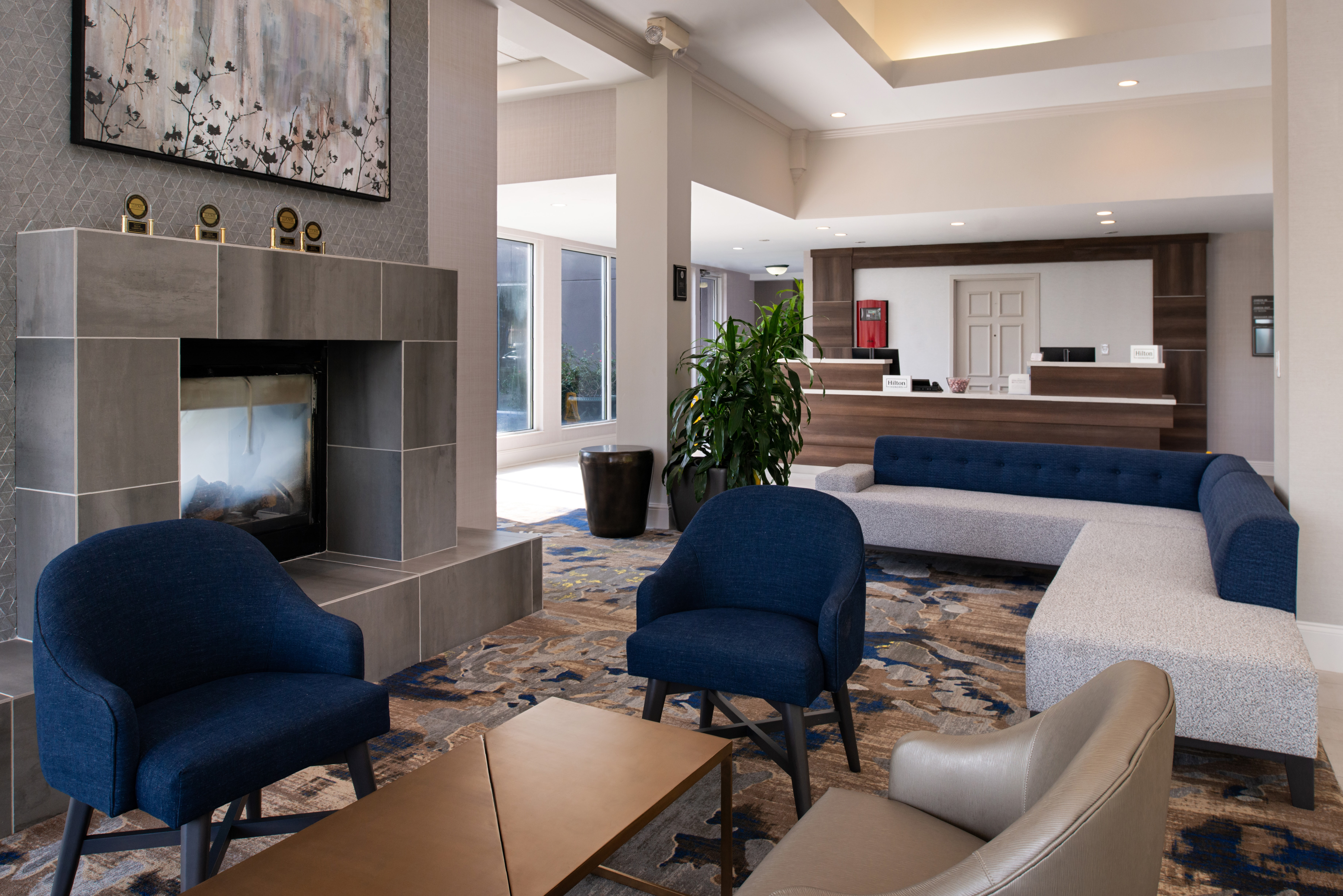 https://www.hotelsbyday.com/_data/default-hotel_image/3/16231/btrgigi-lobby1.jpg