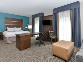 Hotel Hampton Inn & Suites Des Moines Downtown image