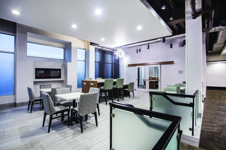 https://www.hotelsbyday.com/_data/default-hotel_image/3/16305/7185-bka2.jpg