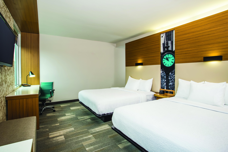 https://www.hotelsbyday.com/_data/default-hotel_image/3/16311/7185-ddr2.jpg