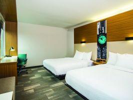 Hotel La Quinta Inn & Suites Winchester image