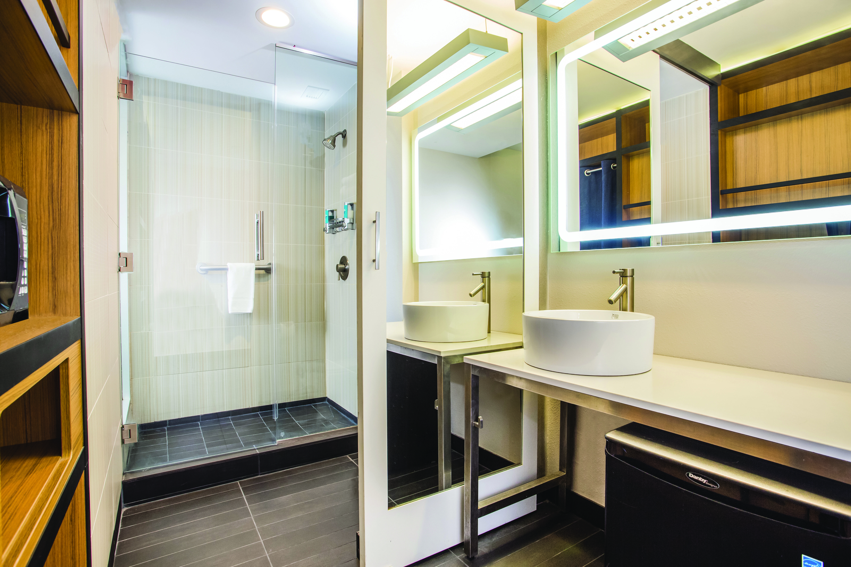 https://www.hotelsbyday.com/_data/default-hotel_image/3/16325/7185-kp3.jpg