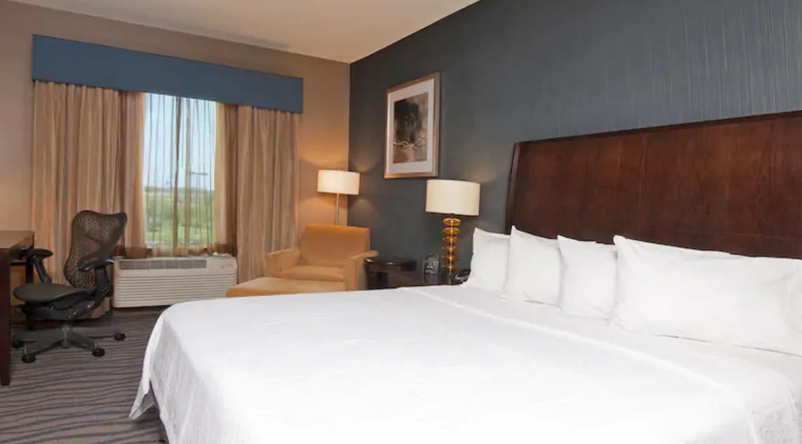https://www.hotelsbyday.com/_data/default-hotel_image/3/16796/screenshot-2020-04-08-at-1-59-50-pm.png