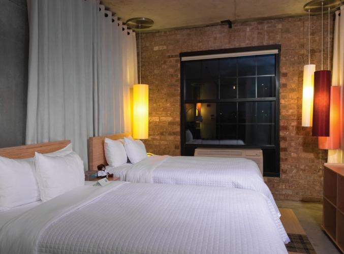 https://www.hotelsbyday.com/_data/default-hotel_image/3/16948/hbhb.png