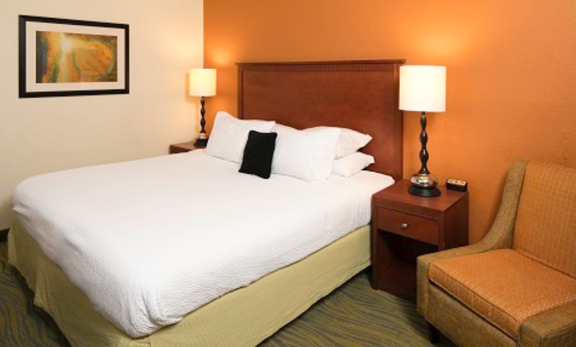 https://www.hotelsbyday.com/_data/default-hotel_image/3/16979/screenshot-2020-04-13-at-6-52-37-pm.png