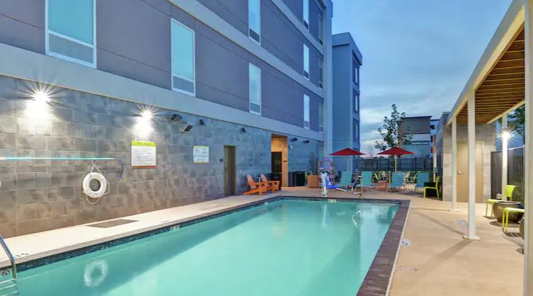 https://www.hotelsbyday.com/_data/default-hotel_image/3/16989/screenshot-2020-04-13-at-7-02-48-pm.png