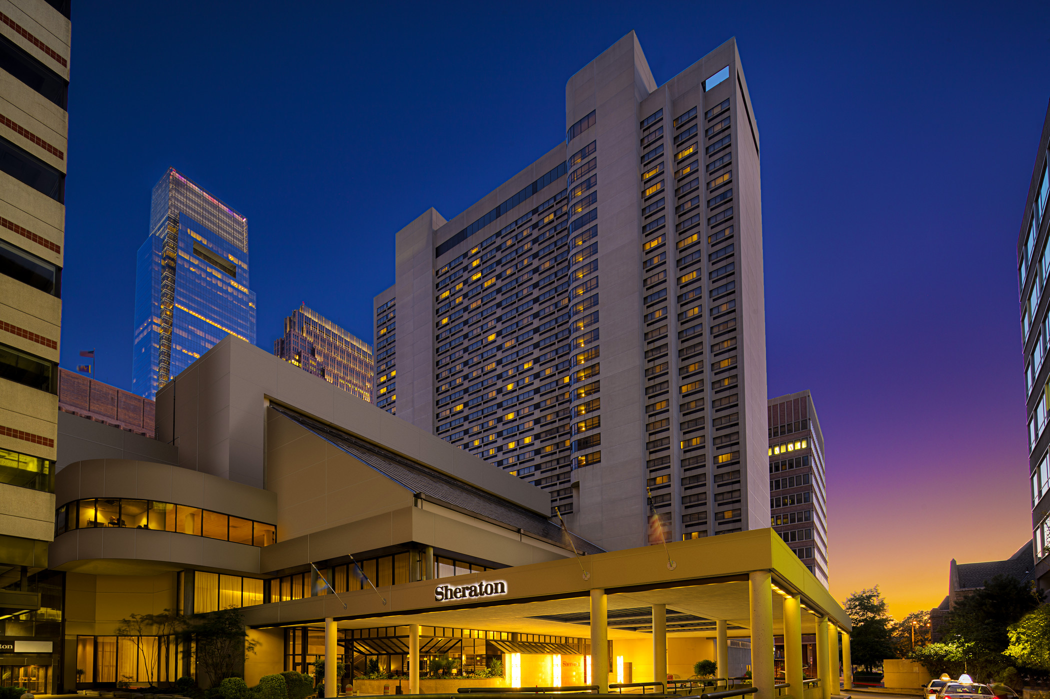 https://www.hotelsbyday.com/_data/default-hotel_image/3/17165/exterior.jpg