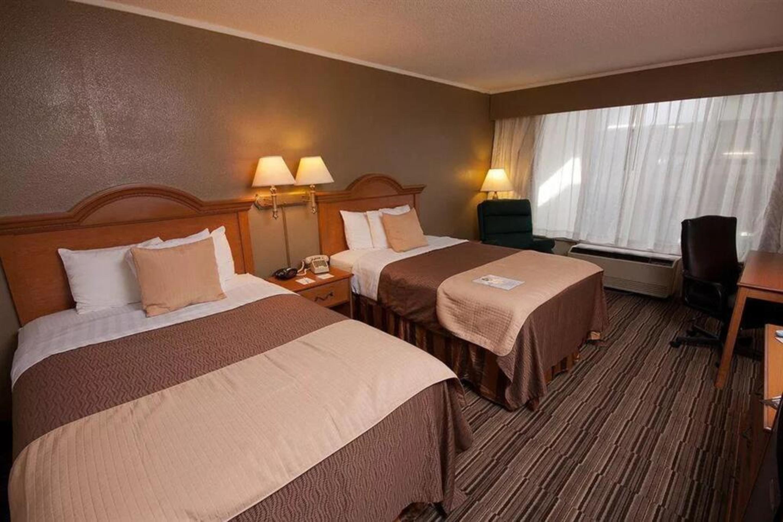 https://www.hotelsbyday.com/_data/default-hotel_image/3/17271/6.jpg