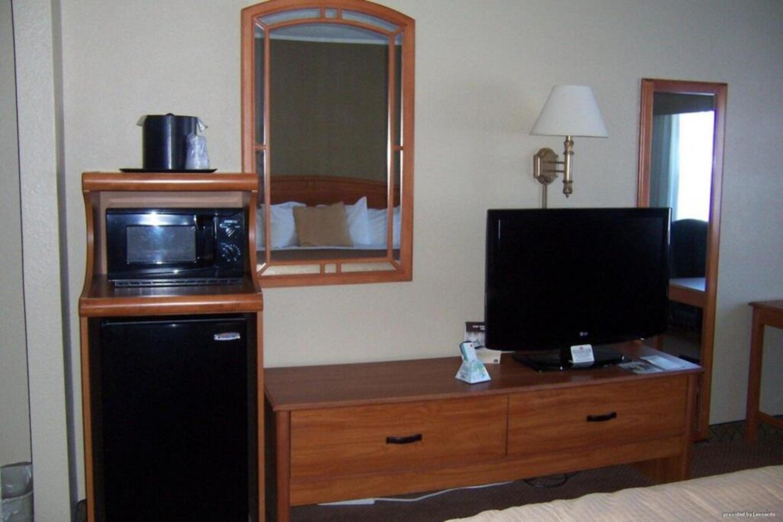 https://www.hotelsbyday.com/_data/default-hotel_image/3/17272/9.jpg