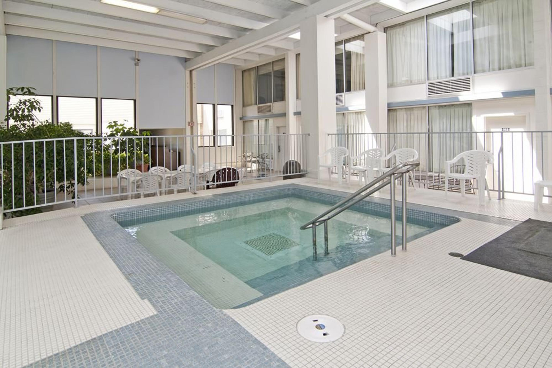 https://www.hotelsbyday.com/_data/default-hotel_image/3/17289/24.jpg