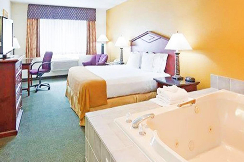 https://www.hotelsbyday.com/_data/default-hotel_image/3/17306/bed-single-4.jpg