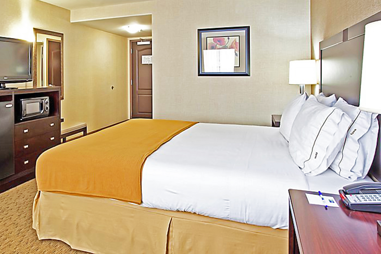 https://www.hotelsbyday.com/_data/default-hotel_image/3/17310/bed-single-10.jpg