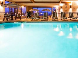 Hotel Norwood Inn And Suites Eagan image