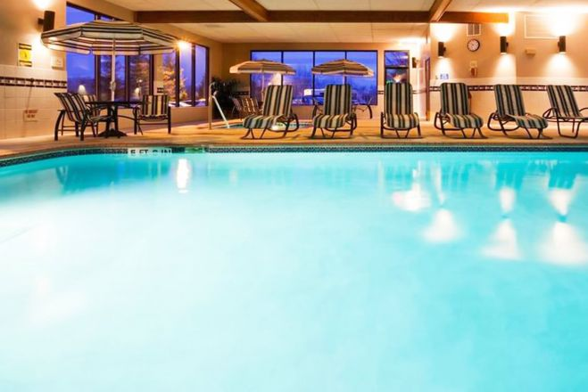 Norwood Inn And Suites Eagan