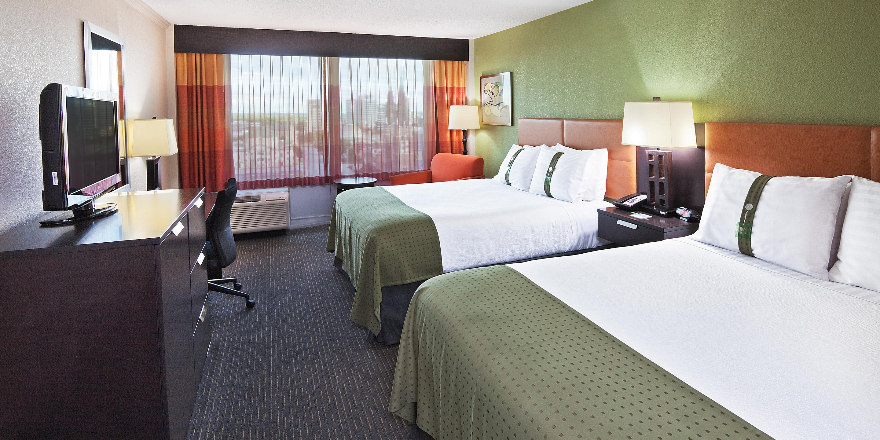 https://www.hotelsbyday.com/_data/default-hotel_image/3/17484/holiday-inn-tulsa-2533396511-2x1.jpeg