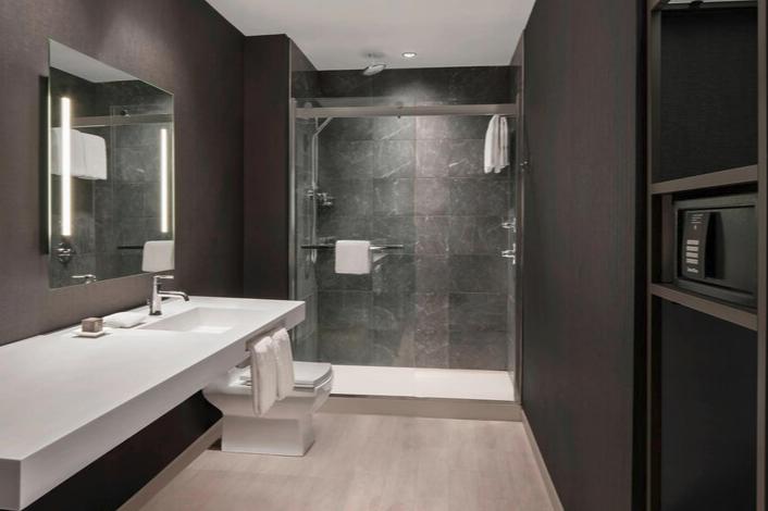 https://www.hotelsbyday.com/_data/default-hotel_image/3/17549/screenshot-2020-06-07-at-3-05-12-pm.png
