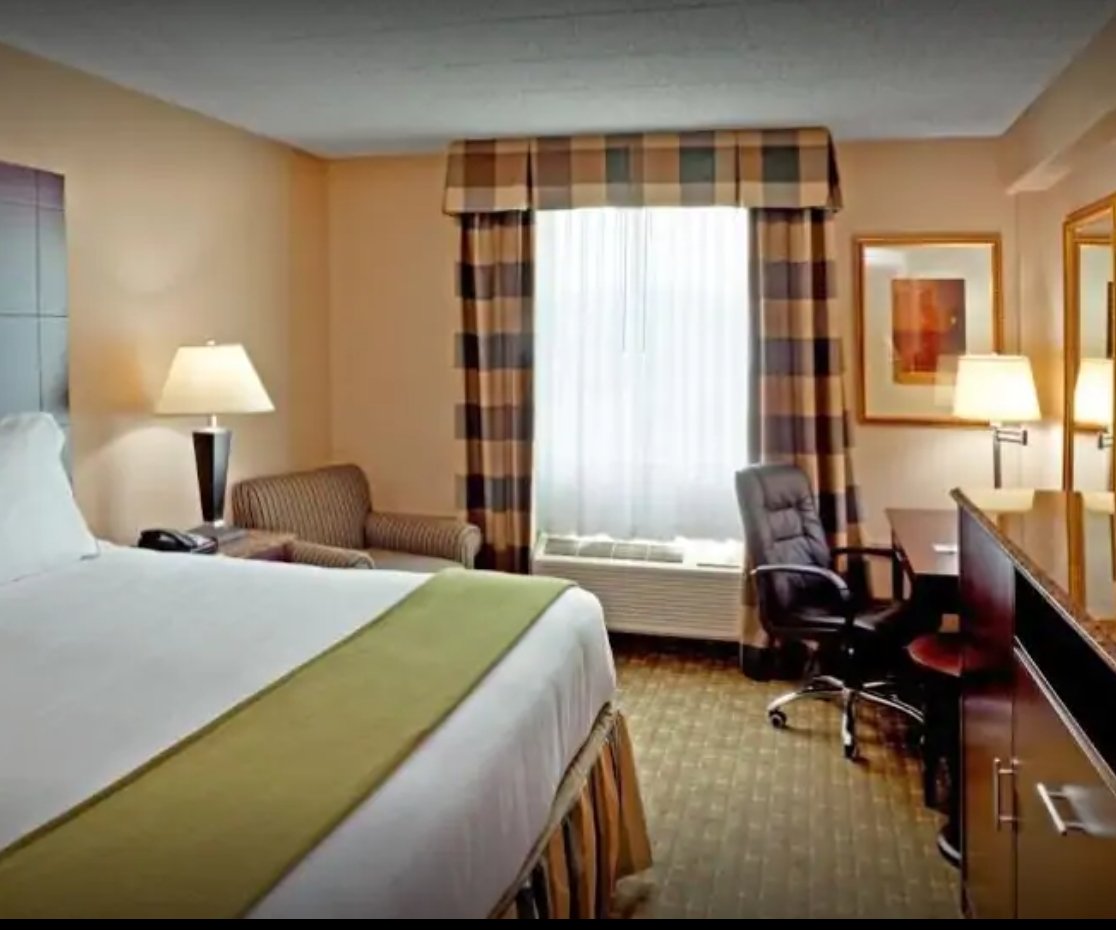 https://www.hotelsbyday.com/_data/default-hotel_image/3/17659/screenshot-2020-06-08-at-3-46-02-pm.png