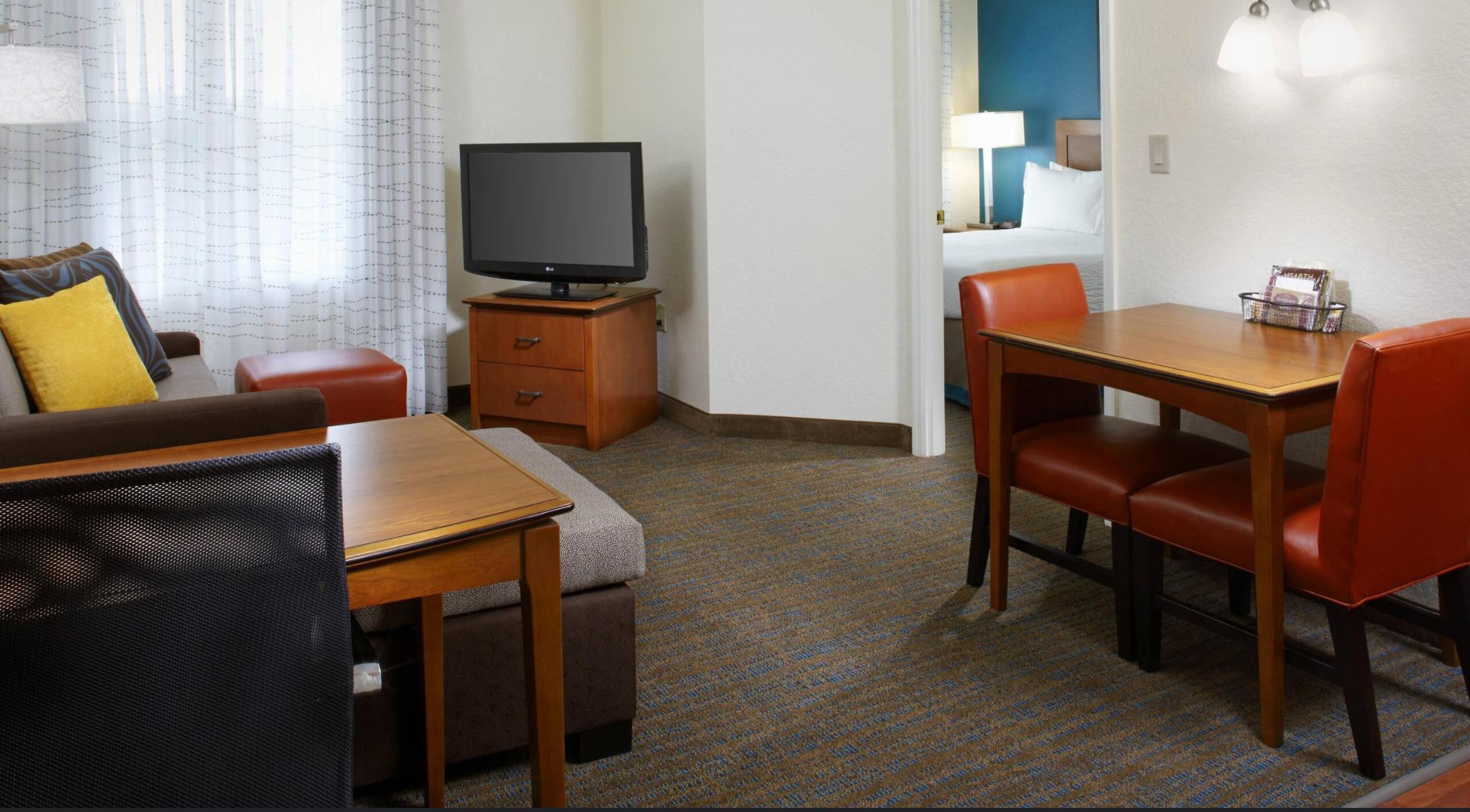 https://www.hotelsbyday.com/_data/default-hotel_image/3/17691/screenshot-2020-06-08-at-4-24-45-pm.png