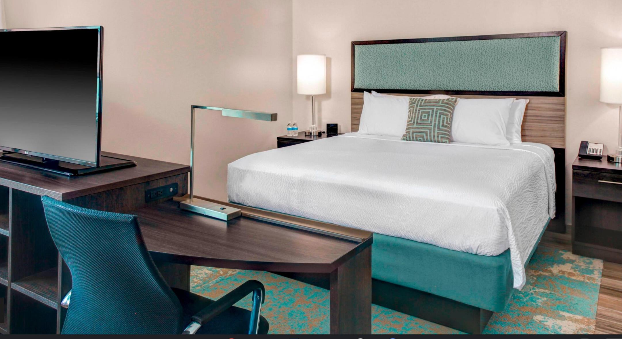 https://www.hotelsbyday.com/_data/default-hotel_image/3/17699/screenshot-2020-06-08-at-4-33-27-pm.png