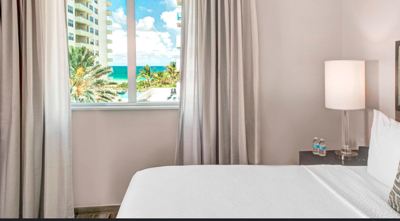 https://www.hotelsbyday.com/_data/default-hotel_image/3/17701/screenshot-2020-06-08-at-4-33-57-pm.png