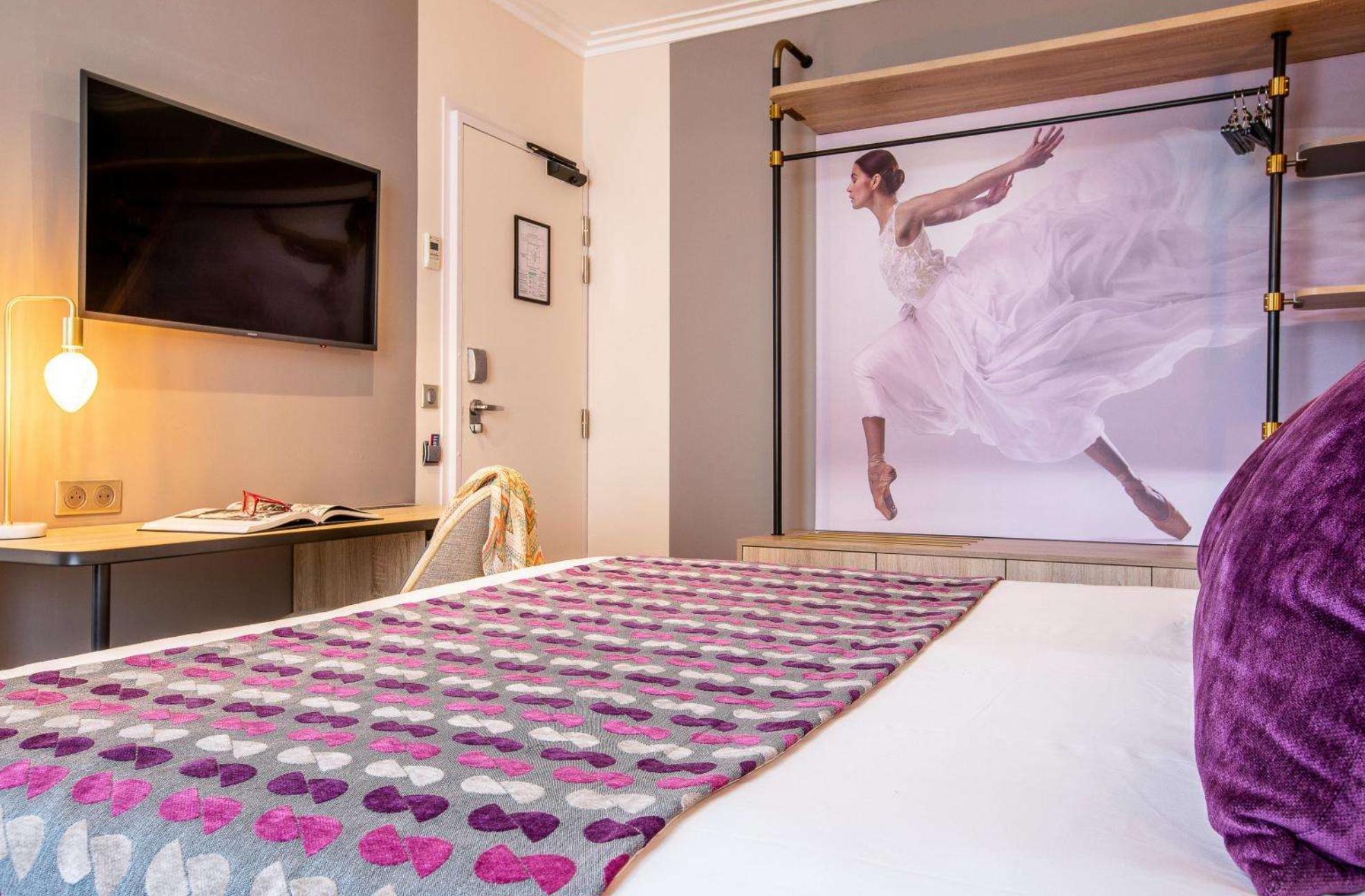 https://www.hotelsbyday.com/_data/default-hotel_image/3/17766/screenshot-2020-06-09-at-11-33-00-am.png