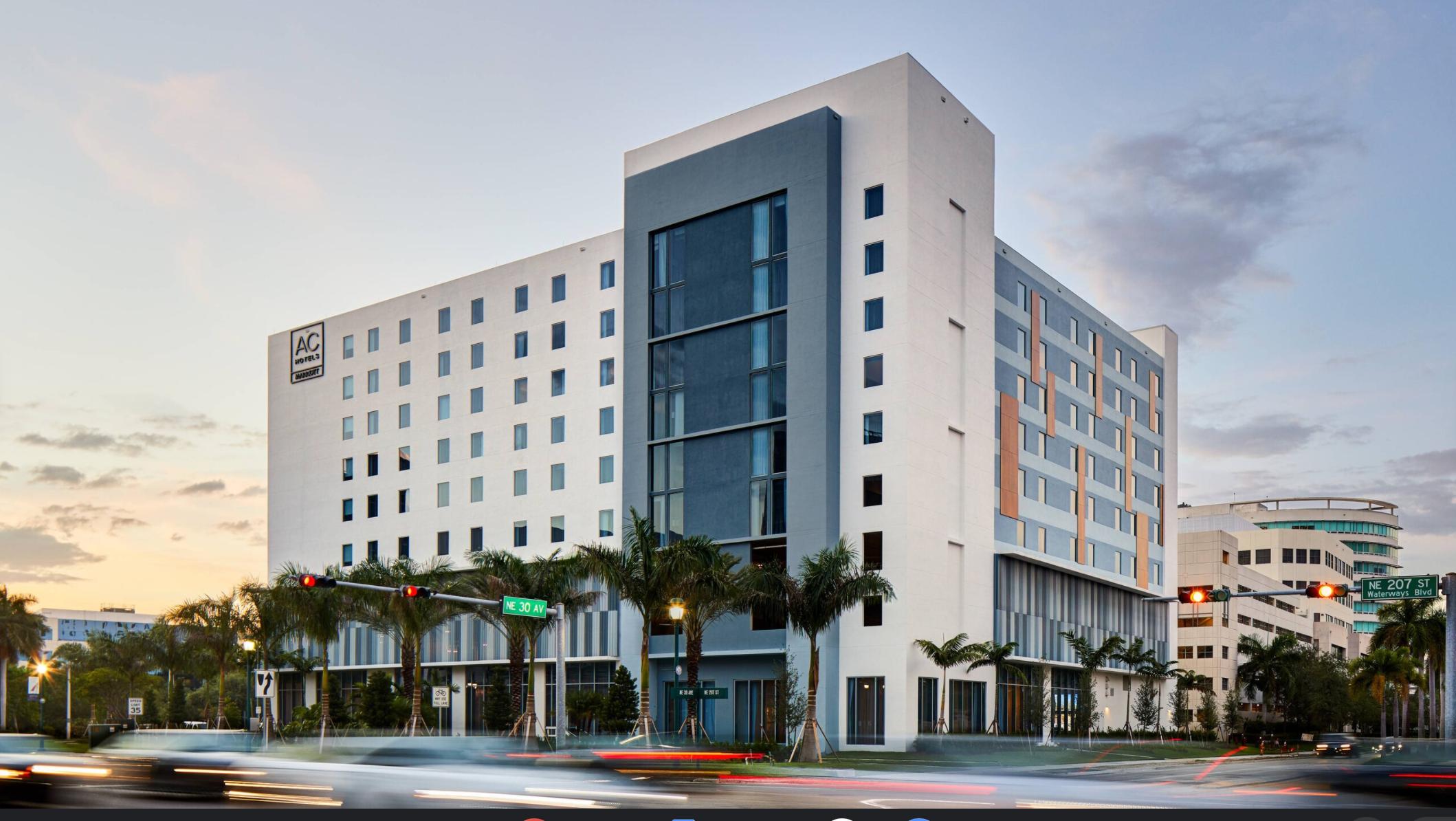 https://www.hotelsbyday.com/_data/default-hotel_image/3/17783/screenshot-2020-06-09-at-11-58-23-am.png