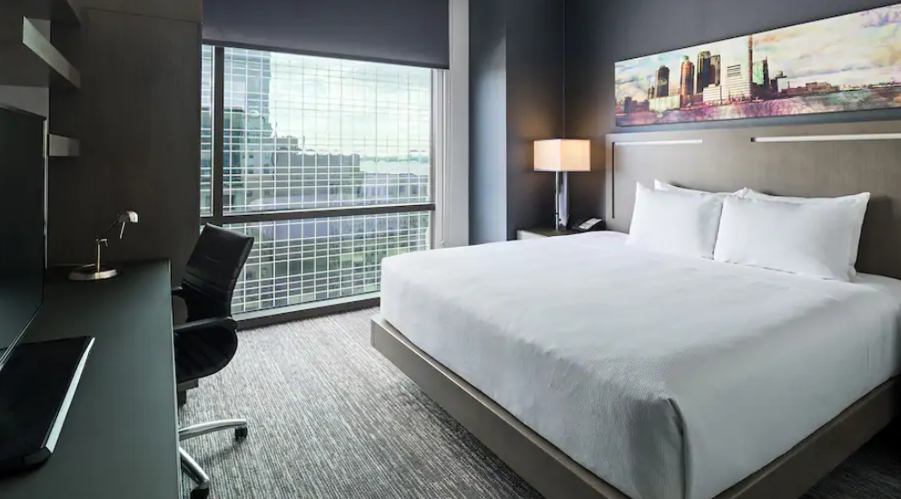 https://www.hotelsbyday.com/_data/default-hotel_image/3/17924/screenshot-2020-06-10-at-4-03-44-pm.png