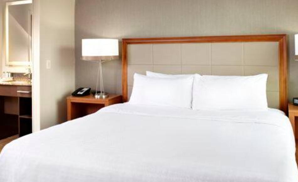 https://www.hotelsbyday.com/_data/default-hotel_image/3/17960/screenshot-2020-06-10-at-5-03-33-pm.png