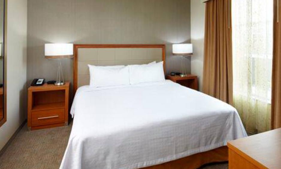 https://www.hotelsbyday.com/_data/default-hotel_image/3/17962/screenshot-2020-06-10-at-5-03-15-pm.png