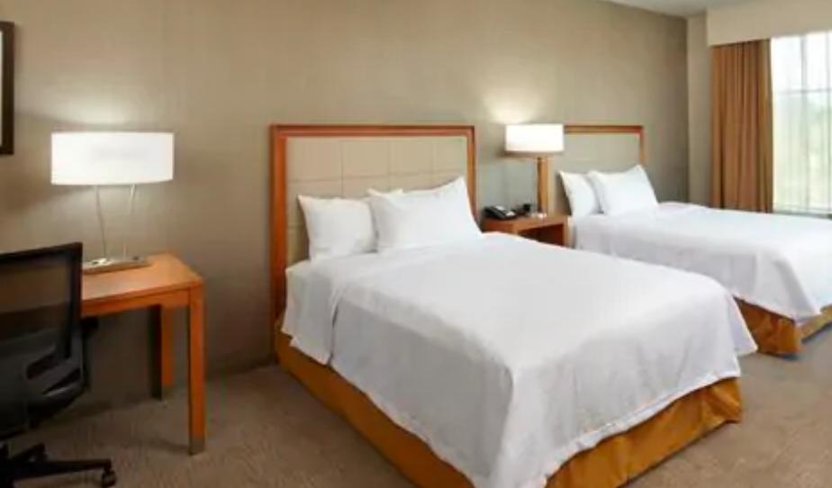 https://www.hotelsbyday.com/_data/default-hotel_image/3/17964/screenshot-2020-06-10-at-5-03-04-pm.png
