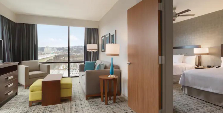https://www.hotelsbyday.com/_data/default-hotel_image/3/17976/screenshot-2020-06-10-at-5-09-51-pm.png