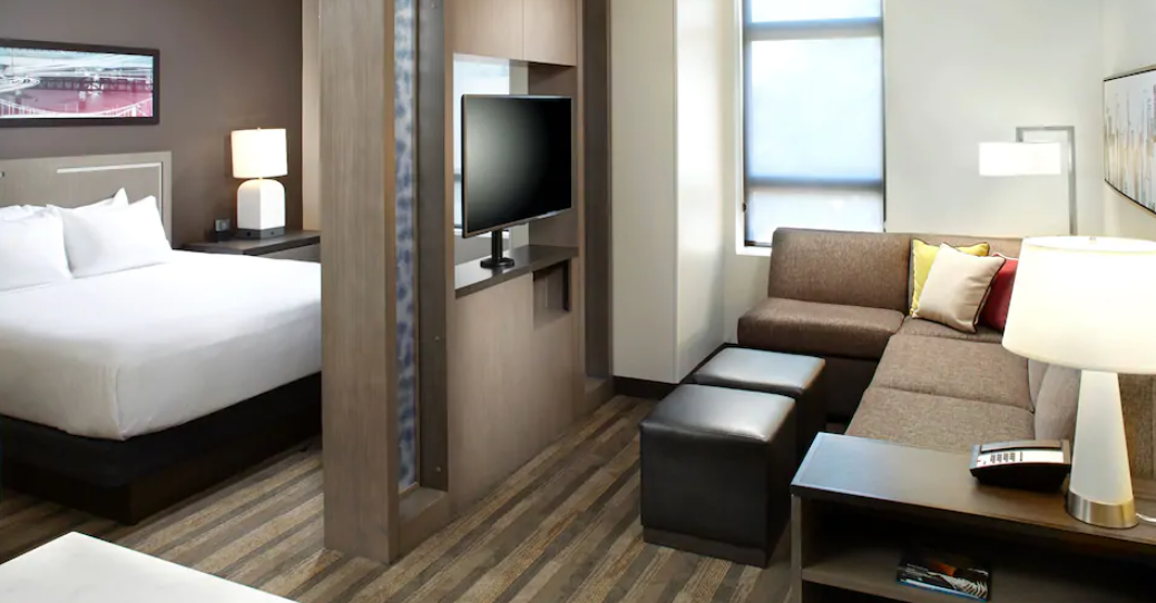 https://www.hotelsbyday.com/_data/default-hotel_image/3/17993/screenshot-2020-06-10-at-5-31-11-pm.png