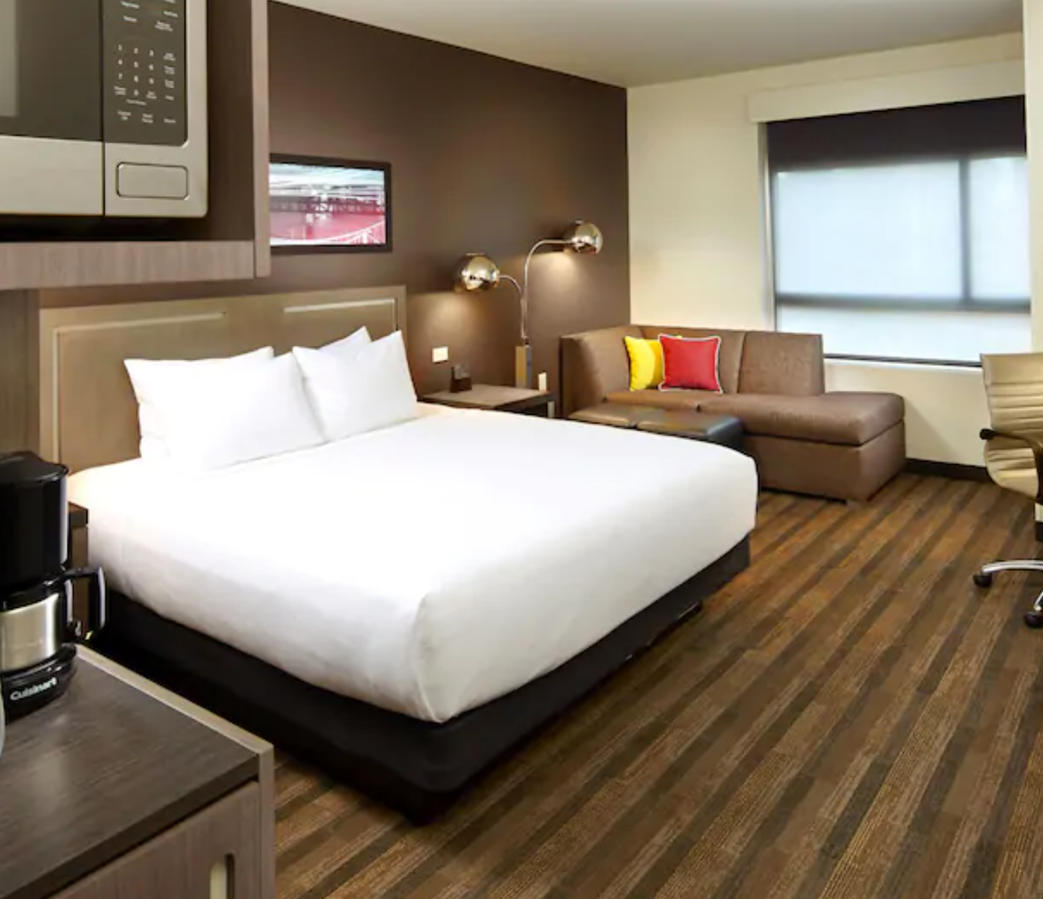 https://www.hotelsbyday.com/_data/default-hotel_image/3/17995/screenshot-2020-06-10-at-5-32-57-pm.png