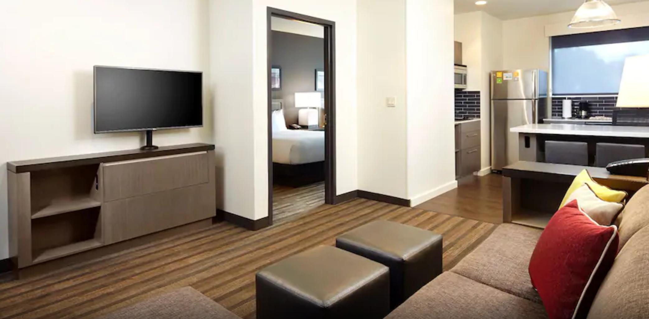 https://www.hotelsbyday.com/_data/default-hotel_image/3/17998/screenshot-2020-06-10-at-5-28-56-pm.png