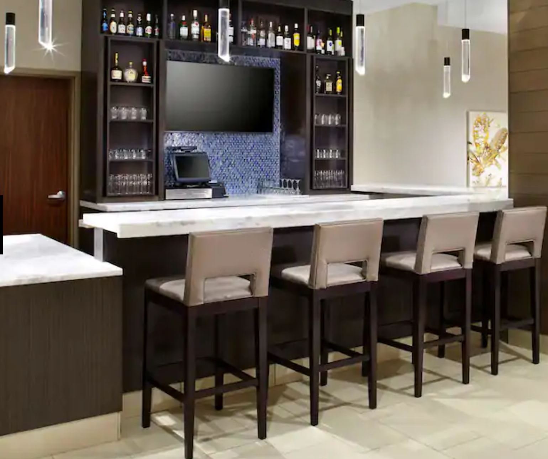 https://www.hotelsbyday.com/_data/default-hotel_image/3/18002/screenshot-2020-06-10-at-5-33-32-pm.png