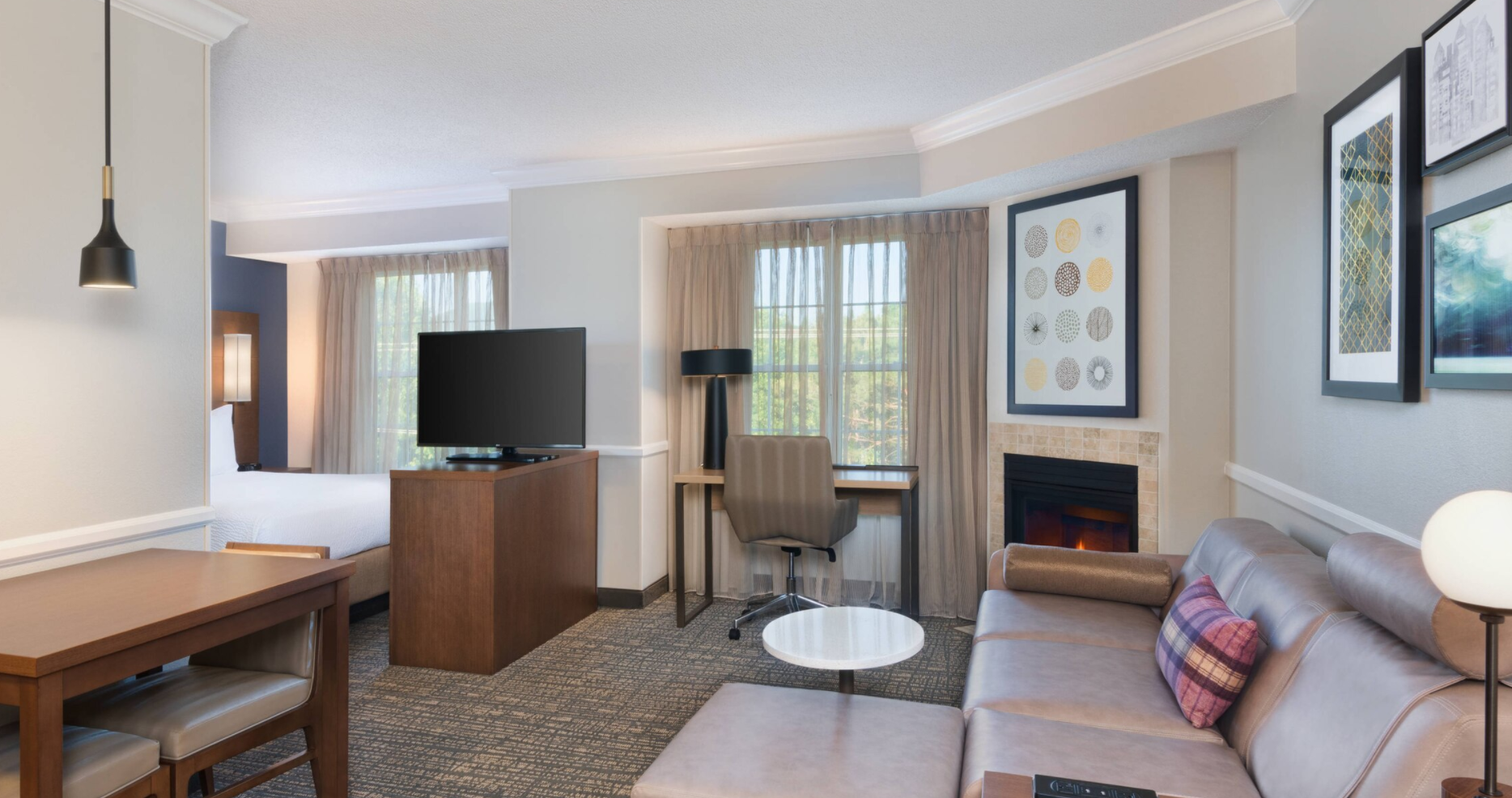 https://www.hotelsbyday.com/_data/default-hotel_image/3/18045/screenshot-2020-06-10-at-6-27-57-pm.png