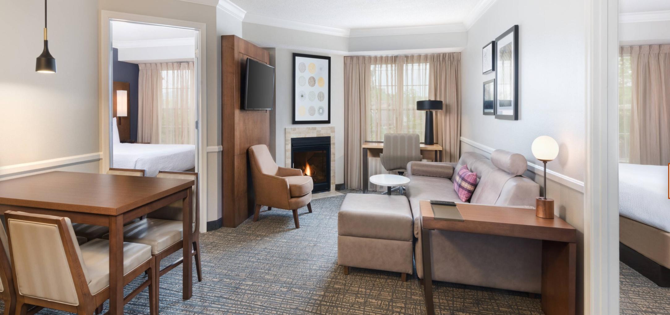 https://www.hotelsbyday.com/_data/default-hotel_image/3/18047/screenshot-2020-06-10-at-6-28-36-pm.png