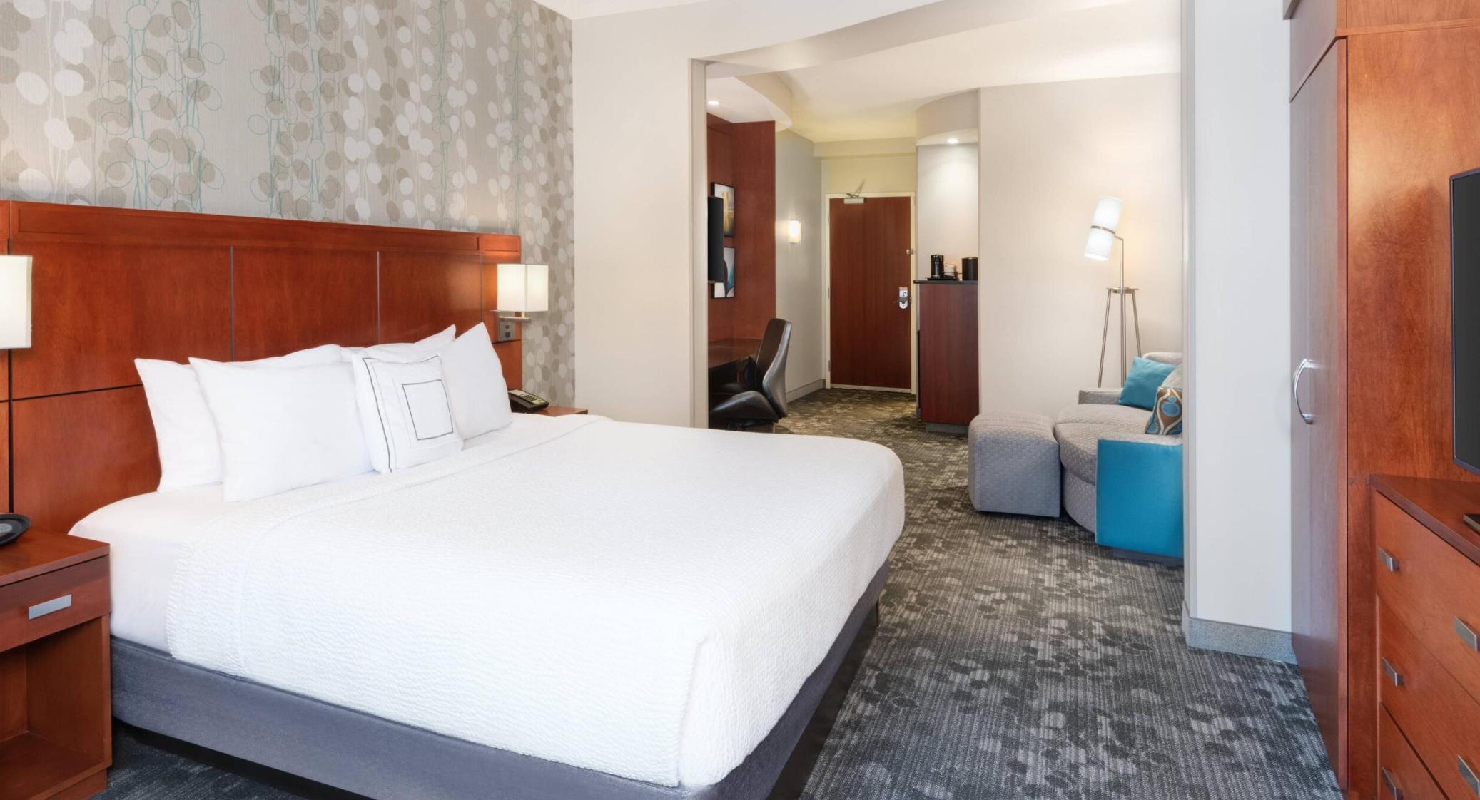 https://www.hotelsbyday.com/_data/default-hotel_image/3/18065/screenshot-2020-06-10-at-7-00-39-pm.png