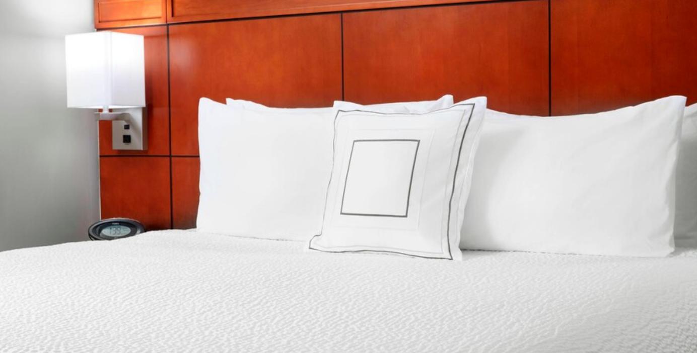 https://www.hotelsbyday.com/_data/default-hotel_image/3/18096/screenshot-2020-06-10-at-7-29-20-pm.png