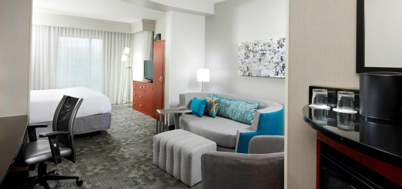 https://www.hotelsbyday.com/_data/default-hotel_image/3/18104/screenshot-2020-06-10-at-7-30-07-pm.png