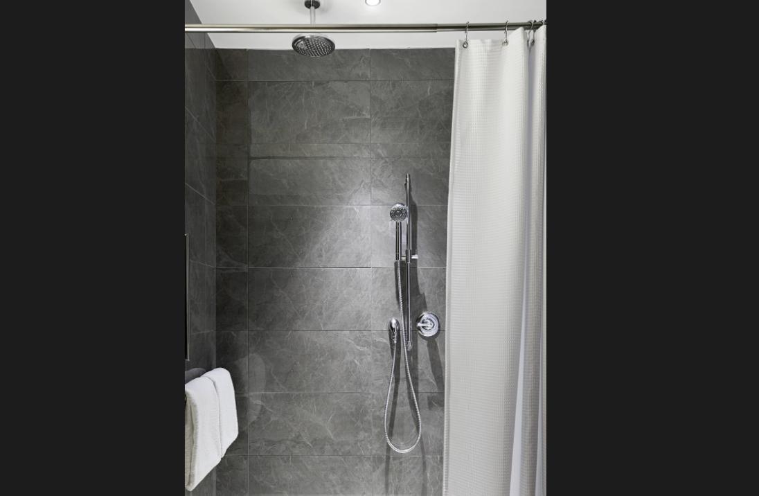 https://www.hotelsbyday.com/_data/default-hotel_image/3/18155/screenshot-2020-06-11-at-3-10-30-pm.png