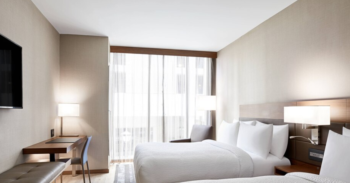https://www.hotelsbyday.com/_data/default-hotel_image/3/18156/screenshot-2020-06-11-at-3-10-47-pm.png
