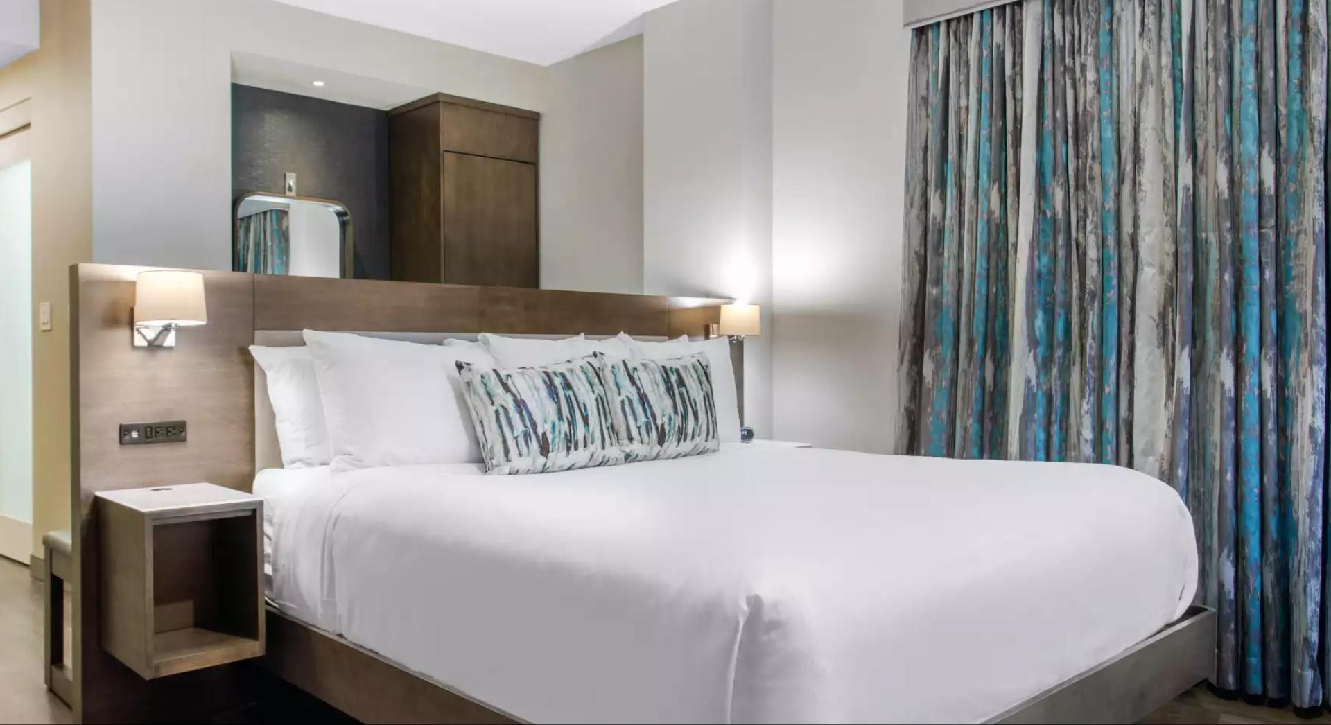 https://www.hotelsbyday.com/_data/default-hotel_image/3/18192/screenshot-2020-06-11-at-3-57-59-pm.png