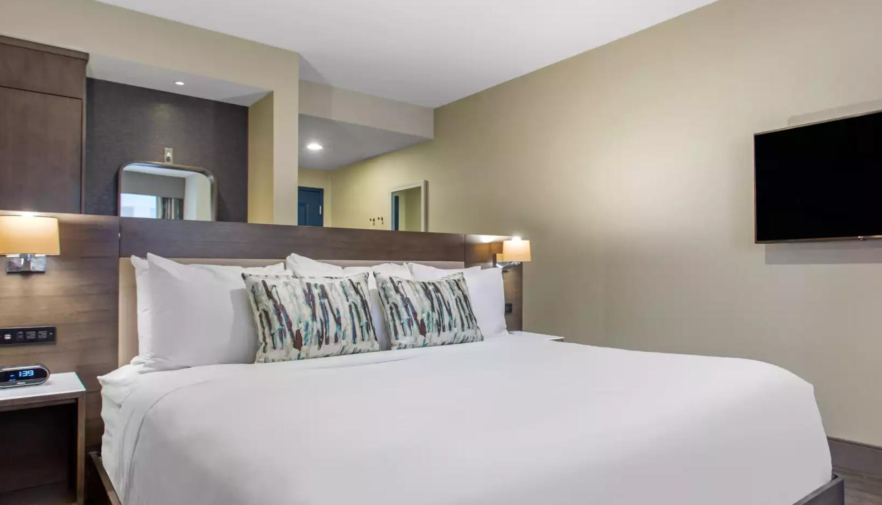 https://www.hotelsbyday.com/_data/default-hotel_image/3/18193/screenshot-2020-06-11-at-3-57-30-pm.png