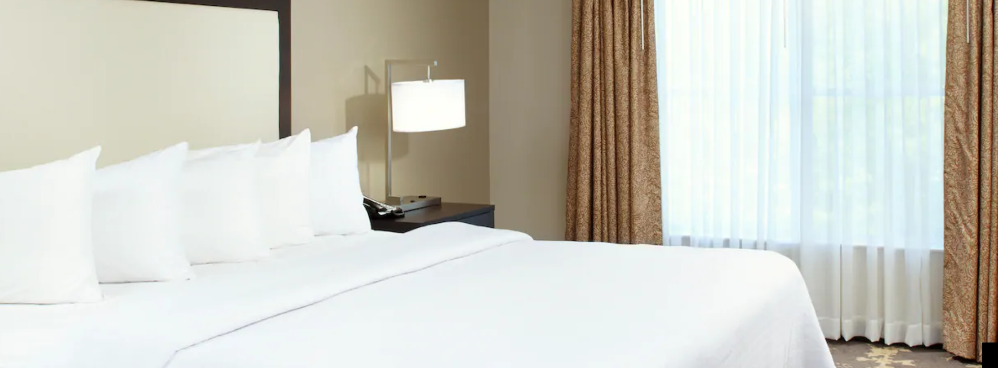 https://www.hotelsbyday.com/_data/default-hotel_image/3/18208/screenshot-2020-06-11-at-4-22-40-pm.png