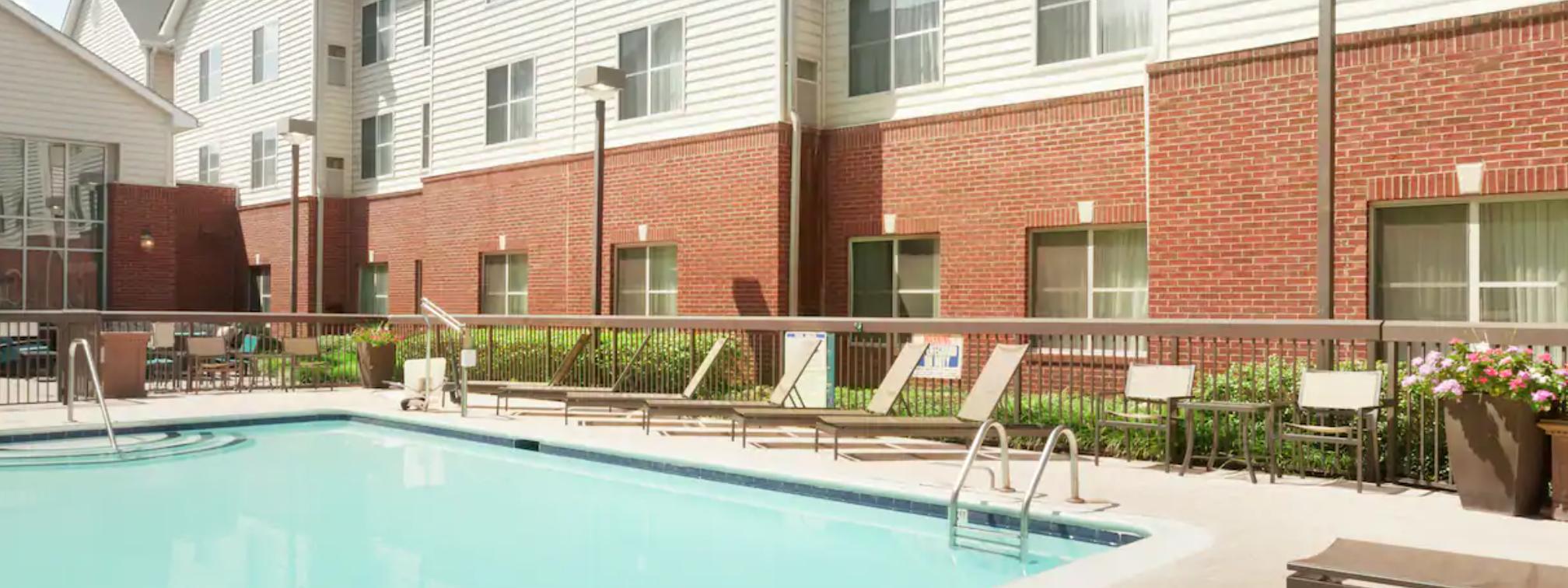 https://www.hotelsbyday.com/_data/default-hotel_image/3/18209/screenshot-2020-06-11-at-4-25-23-pm.png