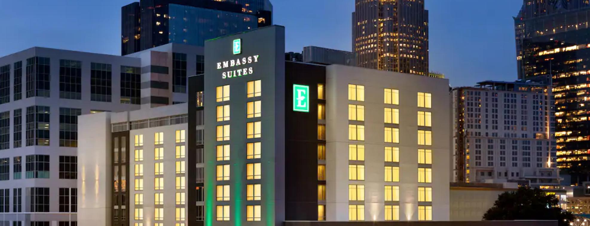 https://www.hotelsbyday.com/_data/default-hotel_image/3/18213/screenshot-2020-06-11-at-4-38-40-pm.png